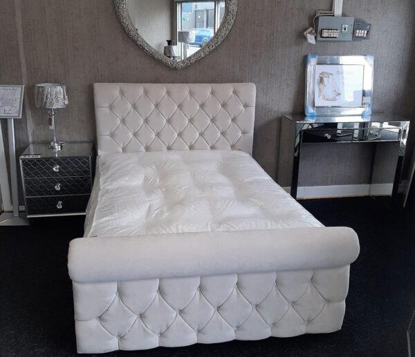 deluxe sleigh bed